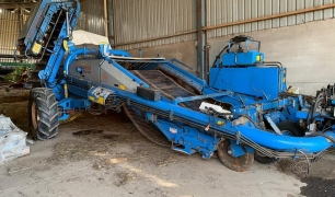 PEARSON ENTERPRISE POTATO HARVESTER